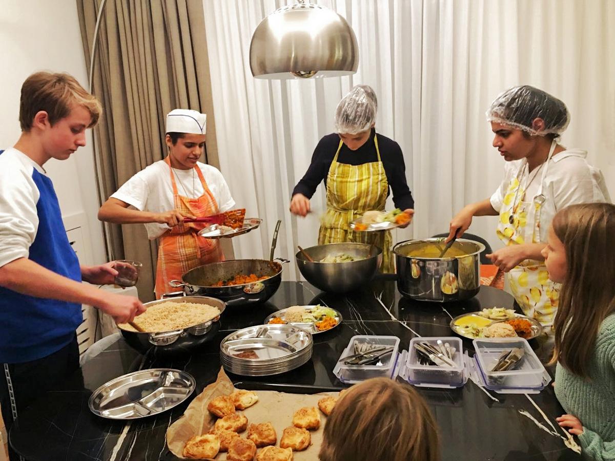 Kommunikation lernen durch gemeinsame Verantwortung in der Küche